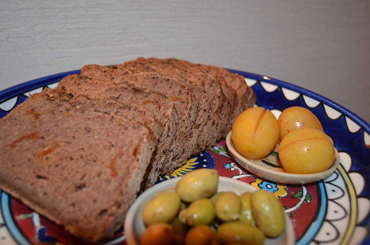 לחם טף ועגבניות מיובשות – ללא גלוטן