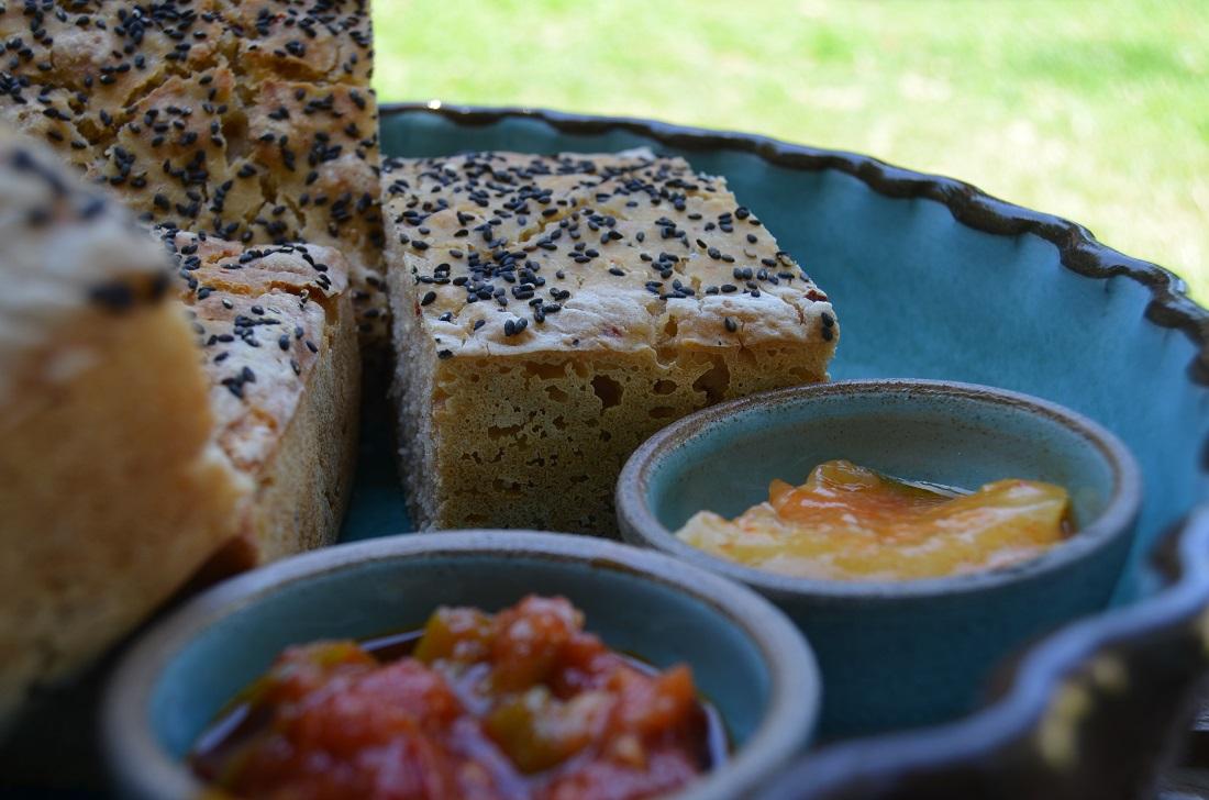 לחם מחמצת חריף עם גרידת לימון