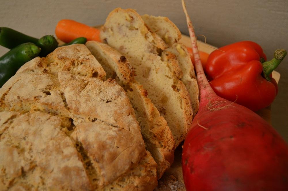 לחם כפרי עם אגוזי מלך